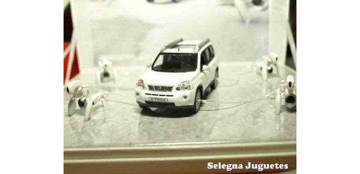 coche miniatura Nissan X-Trail edicion especial escala 1/43