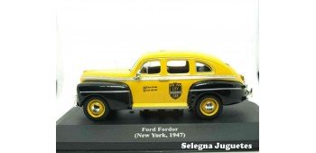 coche miniatura Ford Fordor Sedan Taxi New York 1947