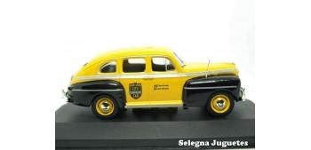 coche miniatura Ford Fordor Sedan Taxi New York 1947