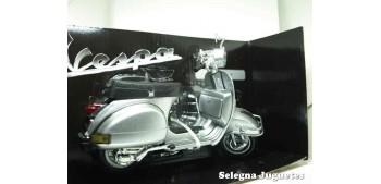 Vespa P200E gris escala 1/12 moto metal miniatura