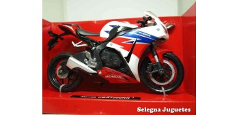 miniature motorcycle Honda CBR 1000RR 1:12 New Ray