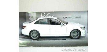 Mercedes Benz C 63 AMG White 1:24 Xtrem