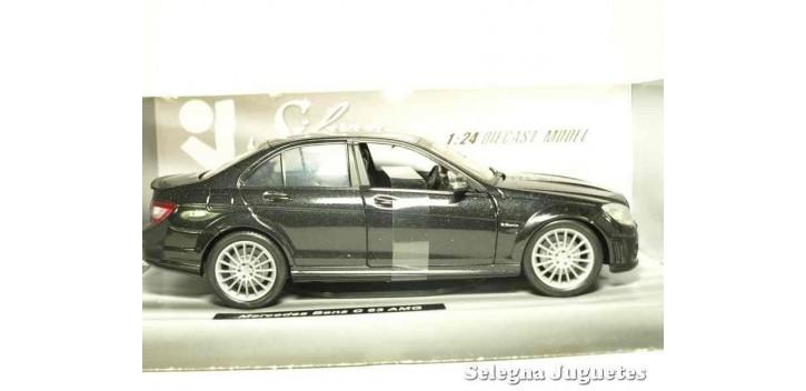 Mercedes Benz C 63 AMG 1/24 Xtrem