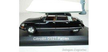 Citroen DS21 pallas 1973 + Boat scale 1:43 Norev
