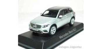 coche miniatura Mercedes Benz GLC 2015 escala 1/43 Norev
