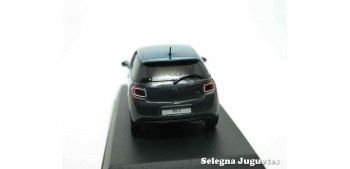 coche miniatura DS 3 1/43 Norev