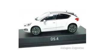 miniature car DS 4 1:43 Norev