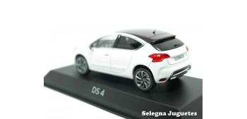 coche miniatura DS 4 1/43 Norev
