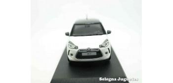 coche miniatura DS 3 2014 1/43 Norev