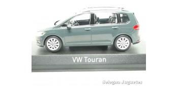 miniature car Volkswagen Touran 1:43 Norev