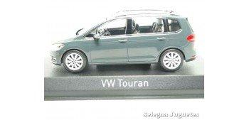 Volkswagen Touran 2015 1/43 Norev