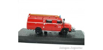 LF 8 Ford FK 2500 (showcase) - firefighters - 1/72