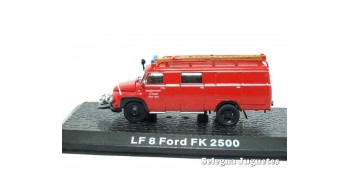 LF 8 Ford FK 2500 - firefighters - 1/72