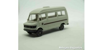 Furgoneta Mercedes escala 1/87 wiking