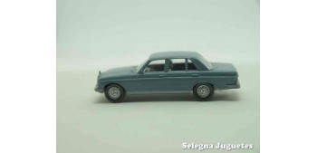 Mercedes Benz 240 D escala 1/87 wiking