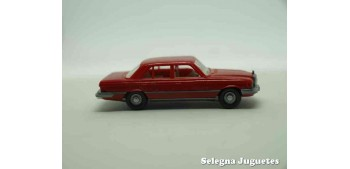coche miniatura Mercedes Benz 450 SE escala 1/87 wiking