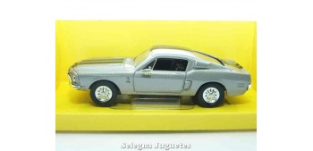 miniature car Shelby GT-500KR 1968 1:43 Lucky Die Cast