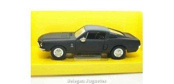 Shelby GT-500KR 1968 Matt Black 1/43 Lucky die cast