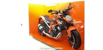 moto miniatura KTM 1290 Super Duke R 1/12