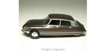 coche miniatura Citroen Ds 23 1/64 Norev