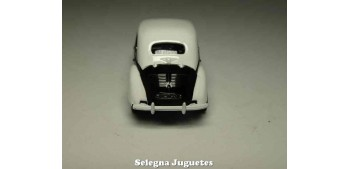 coche miniatura Renault Dauphine Police 1/64 Norev