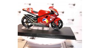 Yamaha YZR500 Norifumi Abe 2001 1/24 Ixo (Vitrina dañada) moto a escala 1/24