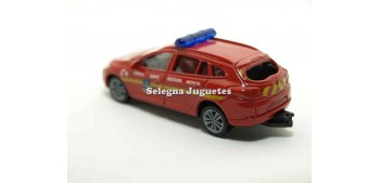 miniature car Renault Megane 2009 Service Medical 1:64 Norev