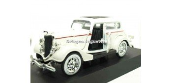 Ford Deluxe Fordor 1934 escala 1/32 New Ray coche en miniatura New Ray