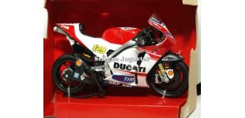 miniature motorcycle Ducati Desmosedici Andrea Iannoneti 1:12
