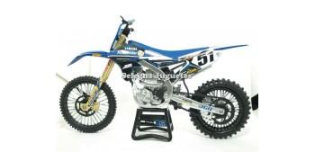 moto miniatura Yamaha JGR Peick - Nicoletti 1/12 New ray