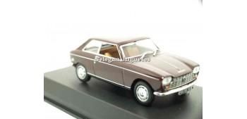 miniature car Peugeot 204 coupe 1:43 Norev