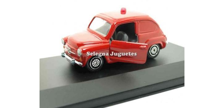 coche miniatura Seat 600 rojo vitrina escala 1/43 Guisval