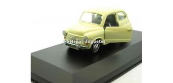 coche miniatura Seat 600 crema vitrina escala 1/43 Guisval