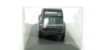 coche miniatura Citroen 2CV verde militar escala 1/36 Guisval