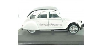 Citroen 2cv white scale 1/36 Guisval