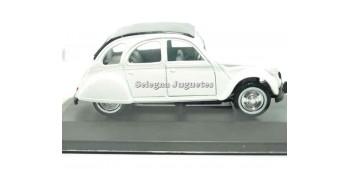 coche miniatura Citroen 2CV blanco escala 1/36 Guisval