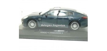 Porsche Panamera S /(showcase) 1/34 a 1/39 Welly Miniature Cars