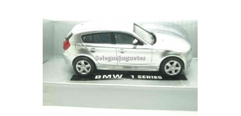 BMW Serie 1 1/43 New Ray