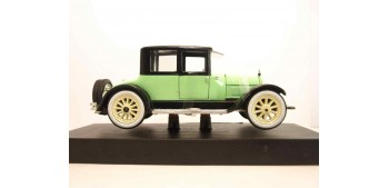 Cadillac Type 57 Victoria Coupe 1928 verde escala 1/32 New Ray coche metal miniatura Signature