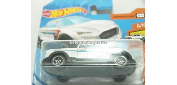 Car 2 Tuff 1/64 Hot Wheels