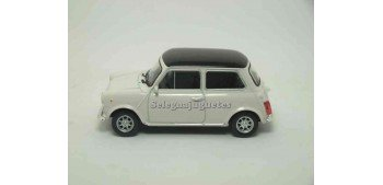 lead figure Mini cooper 1300 black roof scale 1:43