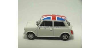Mini cooper 1300 uk escala 1/43 Welly