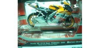 Honda Rc 211V Dani Pedrosa 2006 escala 1/18 Guiloy moto metal miniatura Guiloy
