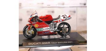 Ducati 996R Troy Bayliss 2001 escala 1/24 Ixo Ixo