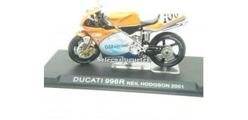 lead figure Ducati 996R Neil Hodgson 2001 1/24 Ixo