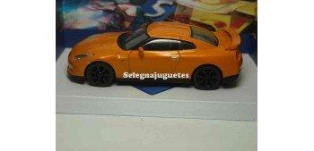 miniature car Nissan Gt-R 1/43 Solido