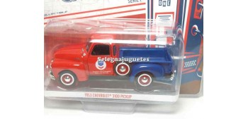 Chevrolet 3100 Pickup Standar oil 1:43 Greenlight