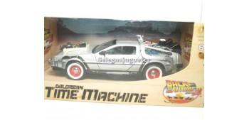 miniature car De Lorean DMC 12 Regreso al Futuro III 1/24 Welly