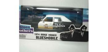 miniature car Dodge Monaco 1974 BluesMobile 1/24 Greenlight