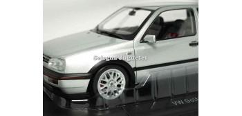 maquetas de coches Volkswagen Golf GTI 1996 Silver escala 1/18